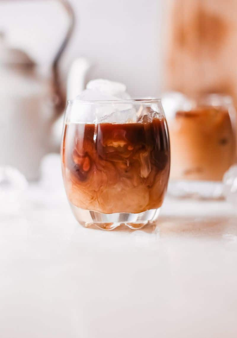 white russian coffee drink